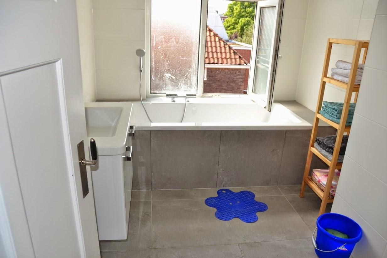 Badkamer Groningen : Badkamers - Bouwservice J. van Duinen - aannemer ...